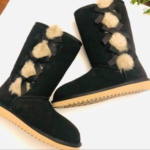 Koolaburra by Ugg new black boots w bows 8